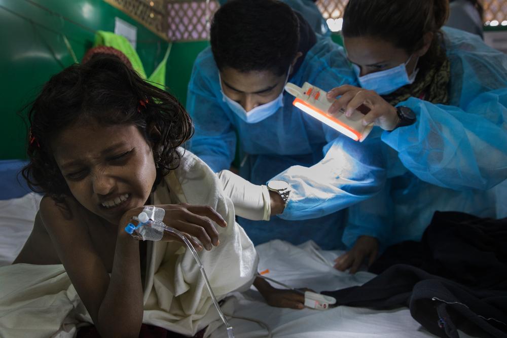 모이나르고나의 국경없는의사회 디프테리아 치료센터에서 항독소 치료를 받고 있는 아동의 모습 ⓒAnna Surinyach/MSF