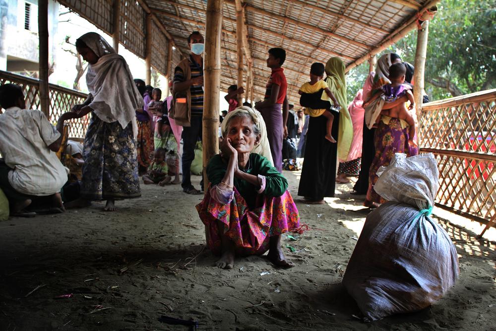 2018년 3월 7일, 수비 카툼(70세)은 미얀마 국경을 건너 방글라데시 쪽 나프 강가에 도착했다. ⓒSara Creta/MSF