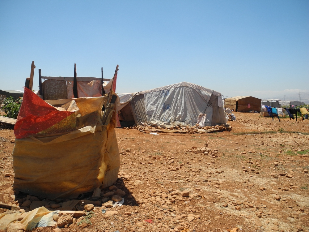 레바논 베카 벨리의 폭염속에 시리아 난민들이 머물고 있는 천막의 모습 ⓒDalila Mahdawi/MSF