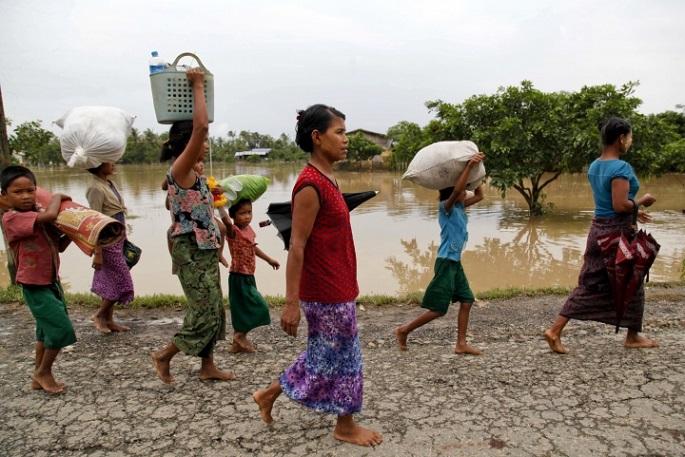 폭우로 북부 고지대까지 피해가 나타나자, 8월 4일 미얀마 정부는 저지대 침수가 더 심해질 것이라고 경고했다.©EPA/ Nyunt Win