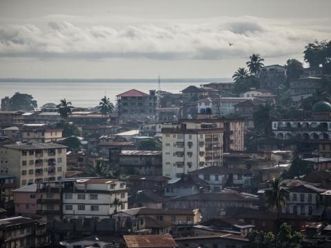 시에라리온: 치명적인 산사태 피해를 입은 지역민의 필요에 신속히 대응하는 국경없는의사회