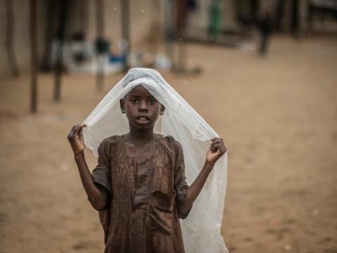 반키 지역에서 우기가 시작되어 말라리아 발병 위험이 높아지고 있다. ⓒSylvain Cherkaoui