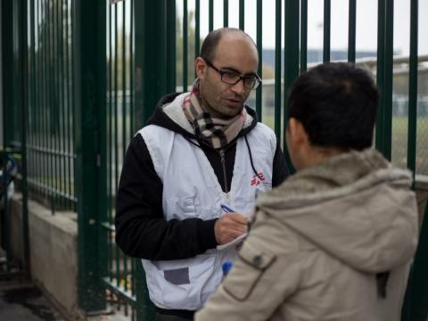 프랑스: 난민∙이주민 1000명, 추위 속 파리 거리에 갇혀
