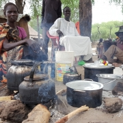 남수단: 유아이·와트에서 공격을 피해 탈출한 뒤, 영양실조·콜레라 위험에 놓인 수천 명