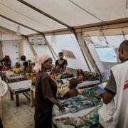 미노바 지역에 있는 콜레라 치료센터에서 중증 환자들을 위해 마련된 지역. 콜레라는 전염성이 매우 강하므로 병의 확산을 막으려면 환자 격리가 필수적이다. ⓒArjun Claire