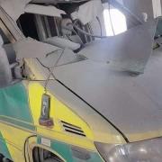시리아 이들리브 주의 하마 센트럴/샴 병원 구급차가 훼손된 모습 © MSF