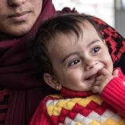 이라크 도미즈 난민캠프에 위치한 국경없는의사회 산부인과 진료소에서 치료를 받은 아동의 모습 ⓒMSF220822