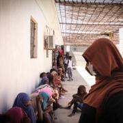 구금센터에 있는 여성들과 아동들 ⓒSara Creta/MSF